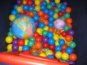 Ball-Pit-with-Earth-Ball